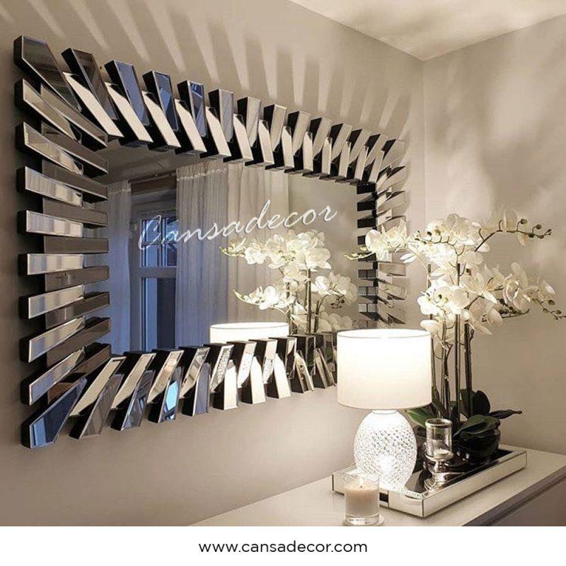 Menata Ruangan Sempit dengan Cermin Besar